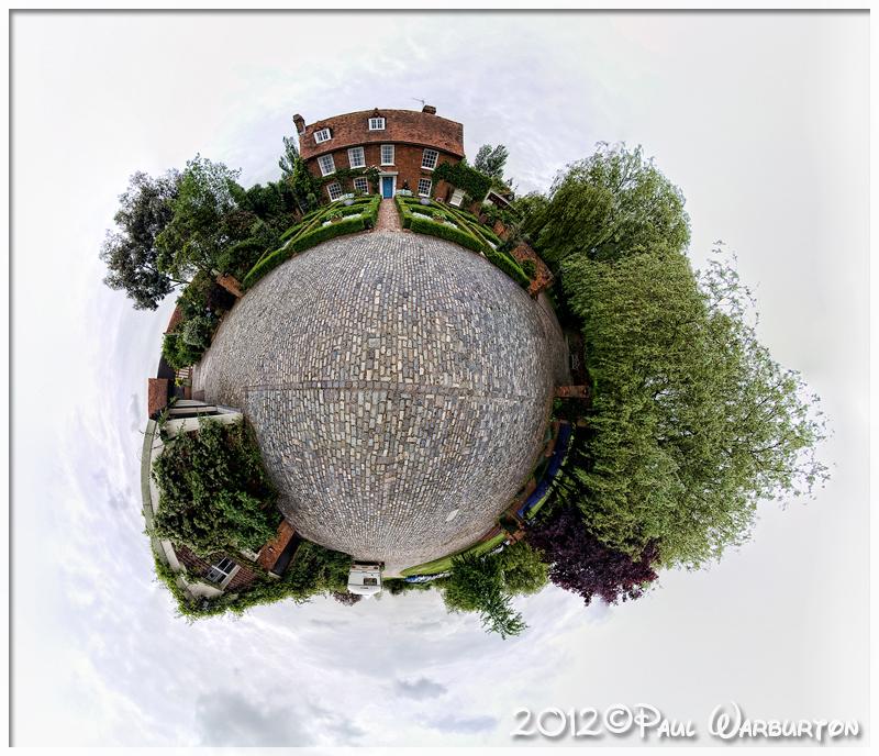 IMAGE: http://www.ashophotography.co.uk/paul/barnards/images/barnards_057.jpg